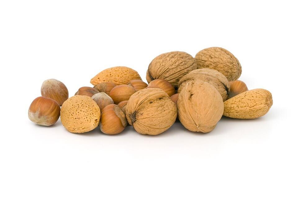 сколько орехов можно ребенку